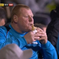 Sutton's Wayne Shaw resigned, and now #PieGate is taking over Twitter