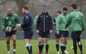 Andy Farrell says Ireland's Johnny Sexton is raring to return against France