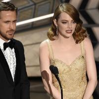 Emma Stone casts doubt over Warren Beatty's Oscars mix-up claim
