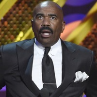 Steve Harvey tells Warren Beatty to give him a call after Oscars blunder