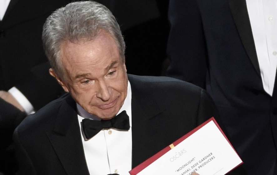Warren Beatty urges Academy boss to clarify reasons for Oscars envelope fiasco