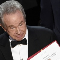 Warren Beatty urges Academy boss to clarify reasons for Oscars envelope fiasco