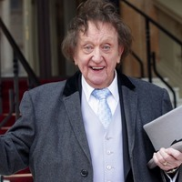 I feel like a racehorse in the stalls, Sir Ken Dodd says ahead of being knighted