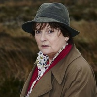 Vera star Brenda Blethyn goes without stunt double in edgy building scene