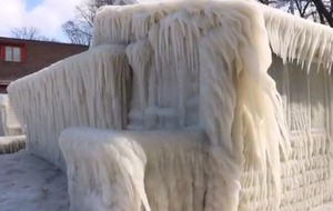 Video: It was so cold in New York that this lake home turned into an incredible, massive ice sculpture
