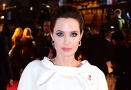Angelina Jolie given private tour of Buckingham Palace
