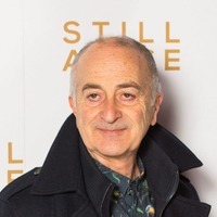 Jeremy Corbyn not the best possible Labour leader, says Sir Tony Robinson