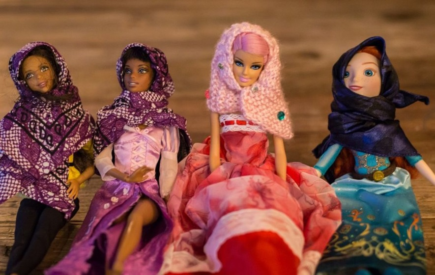 These women are making tiny hijabs for dolls so children understand that 'not everyone in the world looks the same'