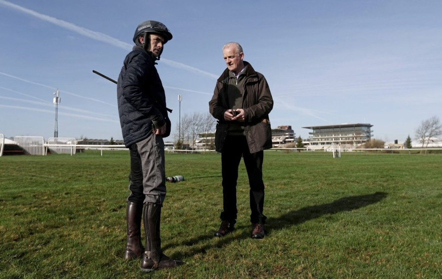 Paparazzi Kid can snap up the prize for Willie Mullins at Clonmel