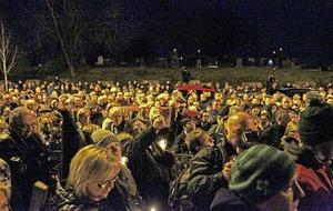 Vigils across Ireland remember Martin McGuinness