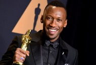 Mahershala Ali shows off his newborn daughter in cute picture
