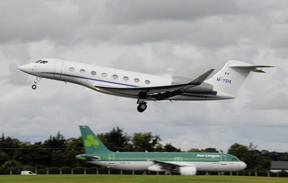 Bill Clinton brought to Derry in Denis O'Brien's jet