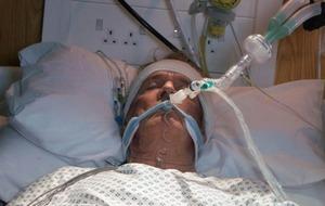 Corrie fans 'praying' for Ken Barlow after murder bid near staircase