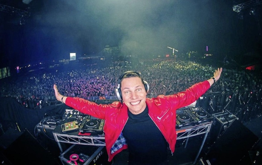 Tiesto Looks To The Future Of Dance Music In New Interview