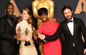 Oscar chiefs to keep working with PricewaterhouseCoopers despite best picture award blunder
