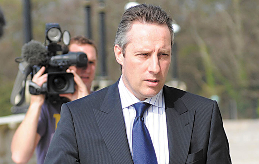 Paisley Jnr to raise  tapping of Ian Paisley's phone in Parliament
