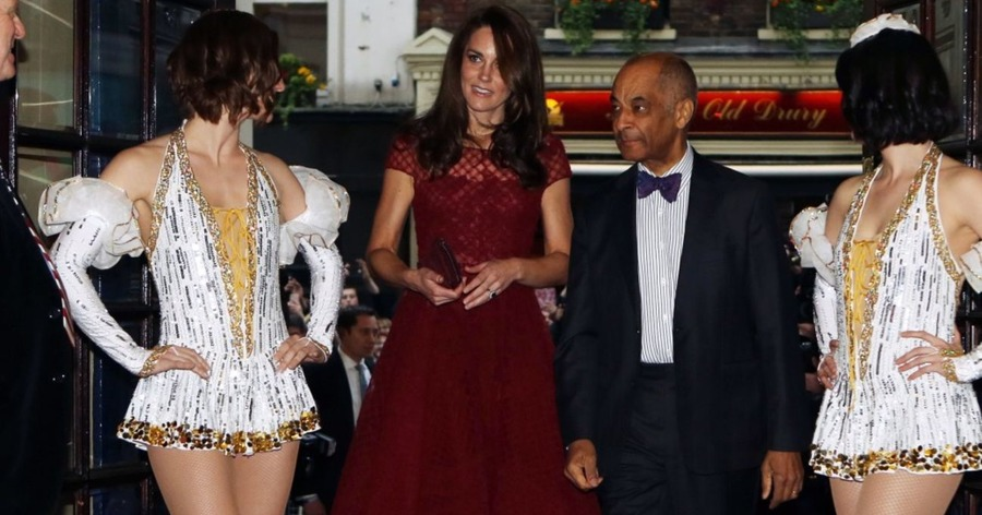 Kate dazzles on red carpet for west end revival of 42nd for Cocktail 42nd street