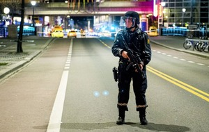 Police defuse explosive device outside Oslo tube station