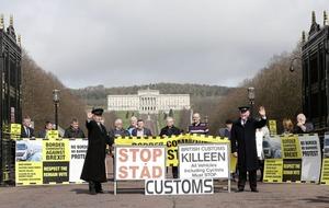 Former Irish diplomat warns of customs posts after Brexit