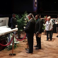 Tributes to Chuck Berry as mourners remember rock 'n' roll pioneer