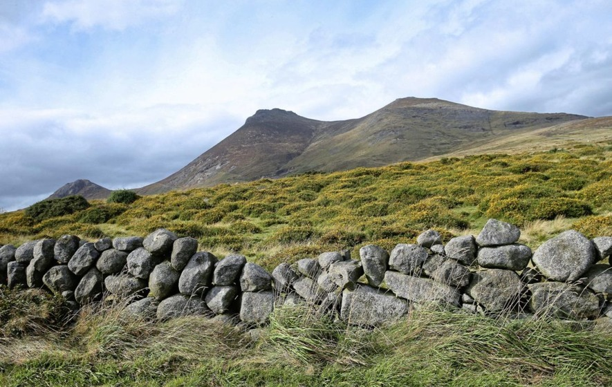 Mourne Mountain rescue: 70 people in difficulty in bad weather