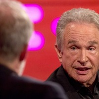 Warren Beatty re-lives that Oscars moment and says it was 'chaos'