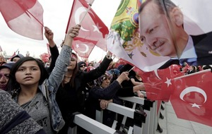 Turkish opposition calls for referendum result to be annulled