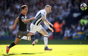 James McClean swaps the football boots for boxing gloves