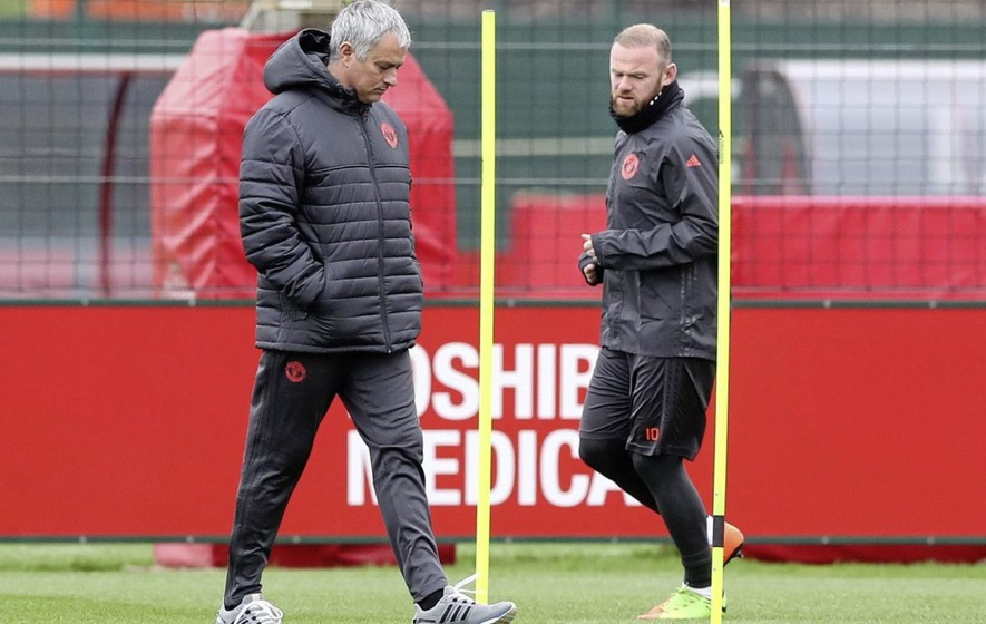 Wayne Rooney already training as Manchester United future remains up in air