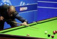 Judd Trump crashes out at the Crucible to Rory McLeod
