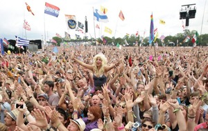 Glastonbury fans frustrated by failed online bids to secure tickets