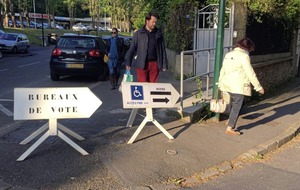 Security tight as French voters hit polls in presidential election