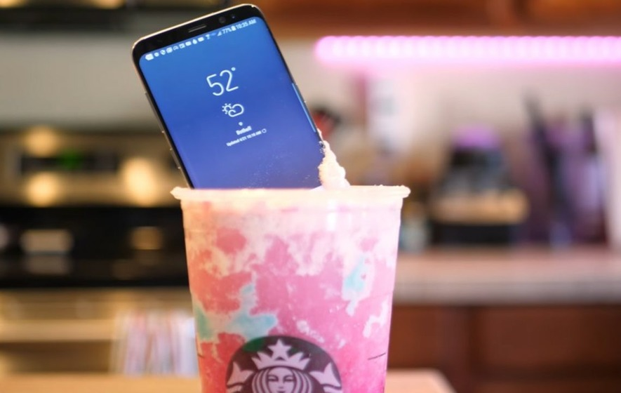 A YouTuber put a Galaxy S8 phone in a Unicorn Frappuccino because why not?