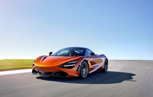 New McLaren 720S overtakes Ferrari