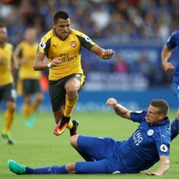Robert Huth brilliantly trolled Alexis Sanchez with a hilarious injury picture on Twitter