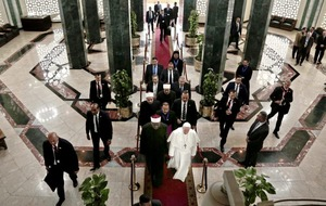 Pope meets Egyptian president at start of symbolic two-day visit