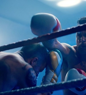 Robbie Williams fights himself in the boxing ring in his new video for The Heavy Entertainment Show