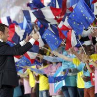 Anti-Semite Le Pen weighs in behind presidential hopeful daughter