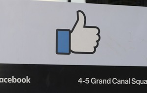 Facebook likes do nothing to make you feel better about yourself, new study suggests