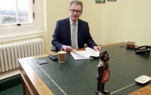 Mike Nesbitt: Picture emerges of ex-UUP leader being pinned to hotel floor