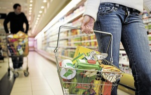 Shoppers splash out at Easter as grocery market deflation continues