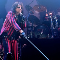 Alice Cooper to release first studio album in six years