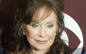 Loretta Lynn doing 'great' as singer, 85, begins rehabilitation after stroke