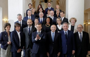 Gender balance with left and right as Macron appoints cabinet