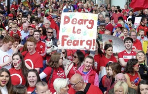 Thousands march in Belfast for Irish language act