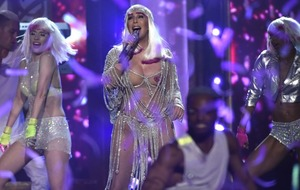 My success 'mostly luck', says Cher as she collects Billboard icon award