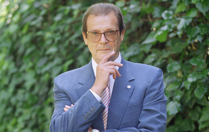 Sir Roger Moore dies of cancer aged 89