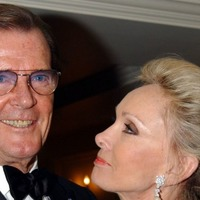 Ewan McGregor leads star tributes to Sir Roger Moore