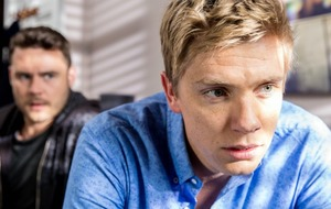Emmerdale couple 'RobRon' praised after emotional episodes