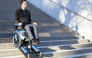 A new electric wheelchair is able to go down stairs
